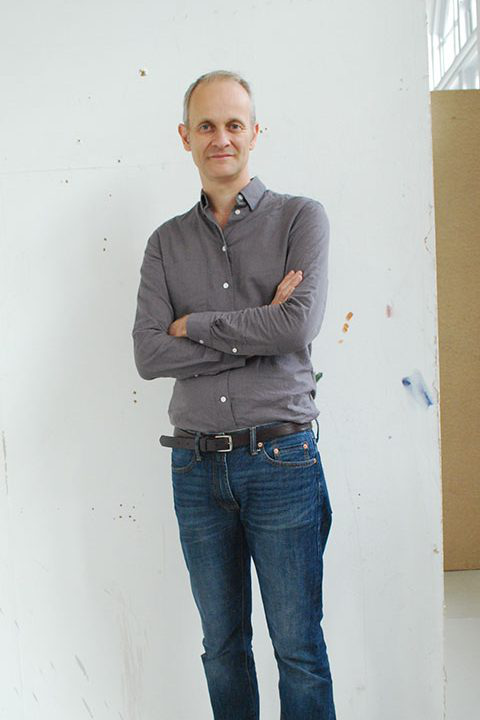 Portrait of 美术 academic Mark Wilsher in the studios at 澳彩网彩票